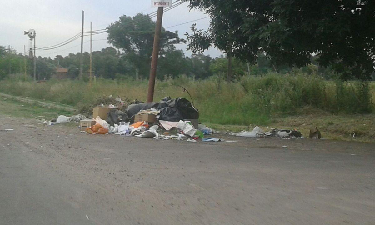 """Camino a Arana: """"Aprovechan los baches, la basura y la noche para robar"""""""