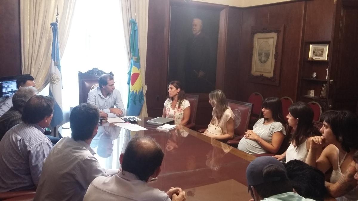 Cantera ilegal de Hernández: vecinos se reunieron con el intendente para reclamar controles