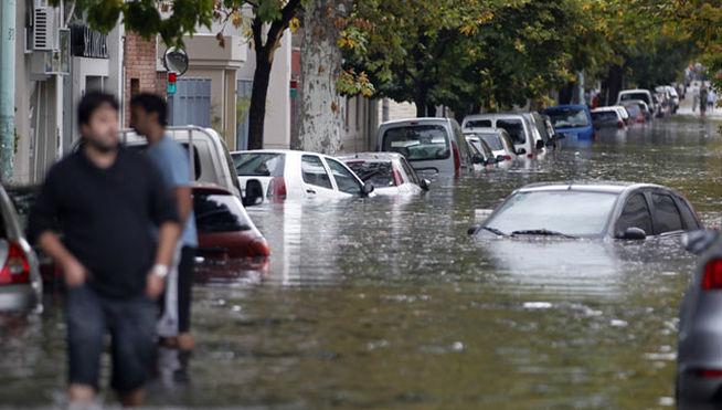Fotos de las inundaciones en la plata 39