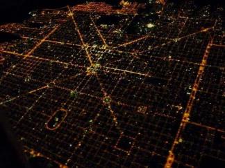 paseos_en_la_plata_small.Noche en La Plata- Ciudad de las diagonales