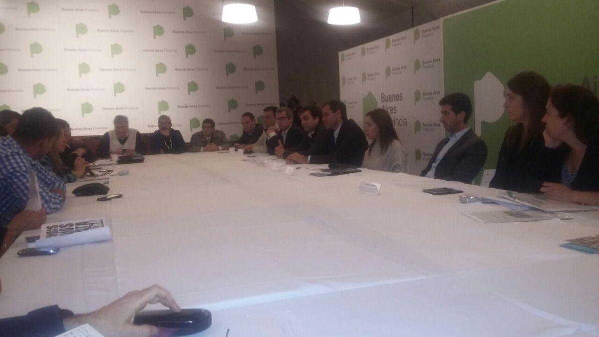 Familiares de víctimas e inundados se reunieron con Vidal y Garro