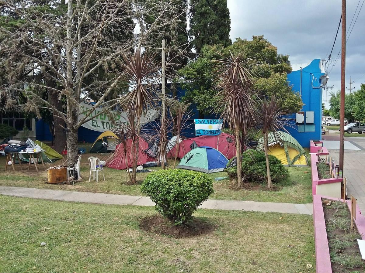 Ramallo: Acampe ciudadano para repudiar planta de agroquímicos en zona de bosques nativos