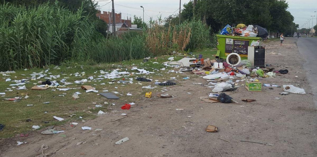 Denuncian ineficiencia en el sistema de recolección por contenedores de La Plata