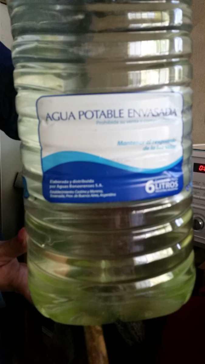 Ni la que entrega ABSA: Vecinos de Villa Castells llevan 3 años sin tener agua potable