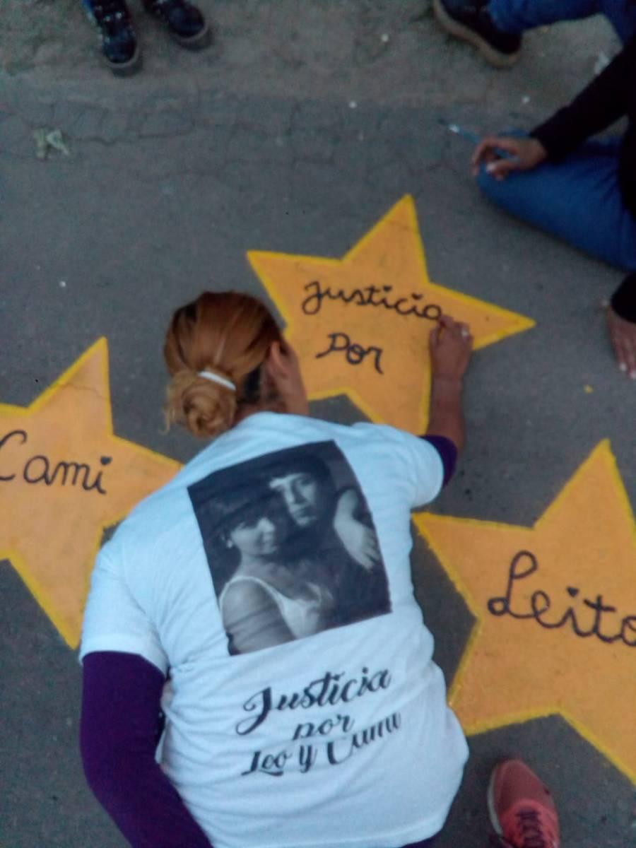 """Familiares vecinos y amigos pidieron Justicia por """"Leo"""" y """"Cami"""", atropellados en 2017"""